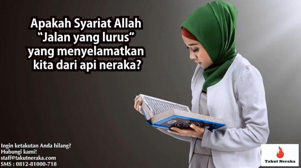 perempuan membaca al-fatihah